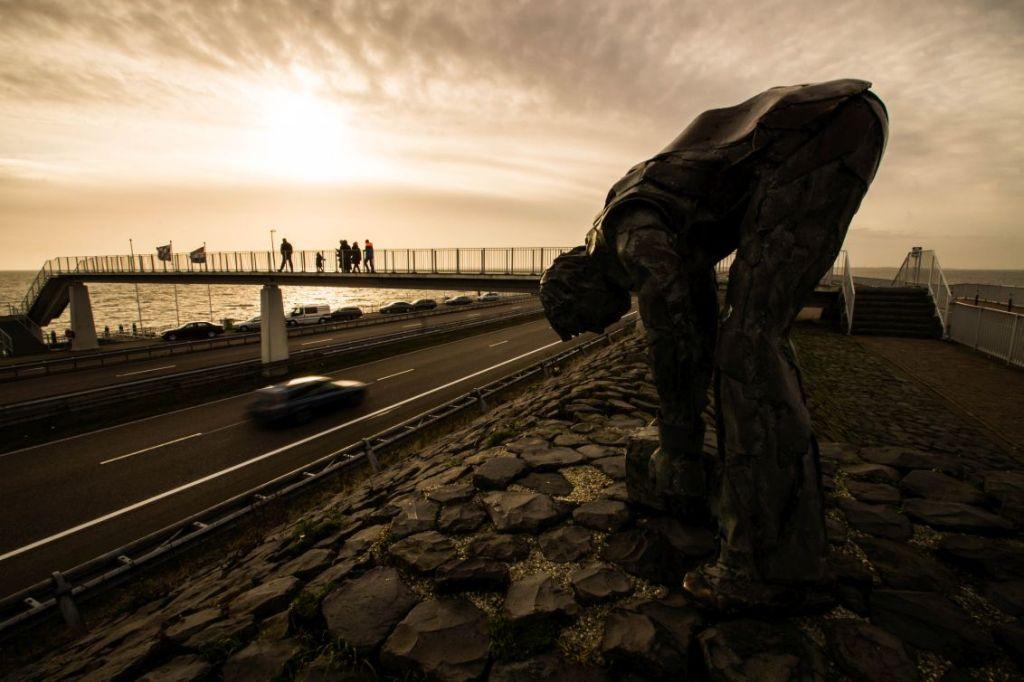 Afsluitdijk, 'De steenzetter'