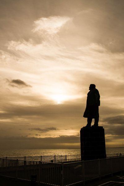 Afsluitdijk, standbeeld Lely