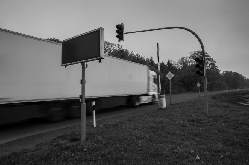 Ingang schietbaan op provinciale weg