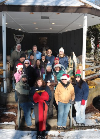 Foxboro Jaycees and friends at the annual Common decorating, 11/29/2014