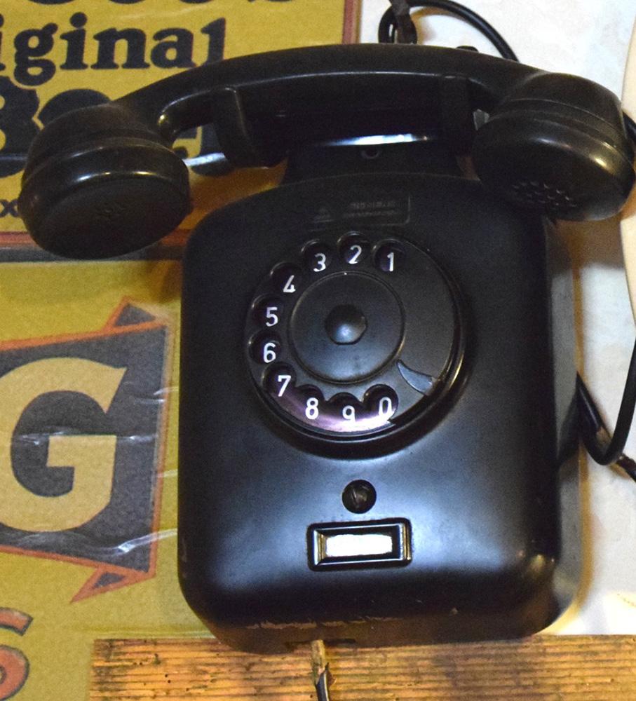 Telefoni in bachelite  Robevecie