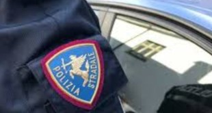 61enne denunciato dalla Polizia Stradale di Matera per sfruttamento della manodopera di stranieri