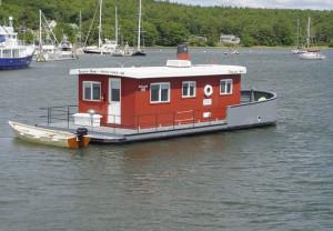 tessie-ann-house-boat-exterior
