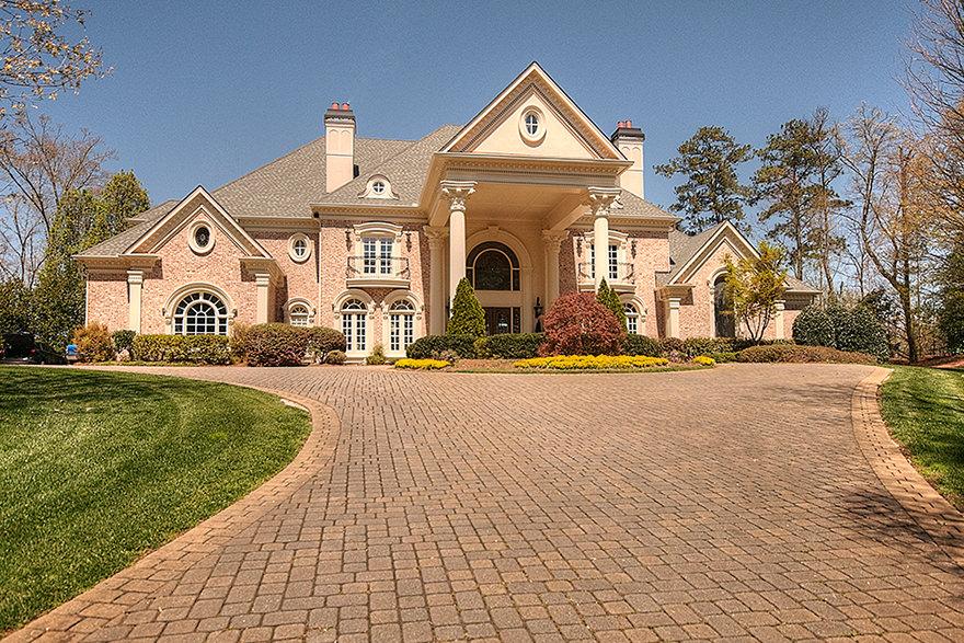 Robin Martin Earns National Luxury Home Designation Robin Martin Associates