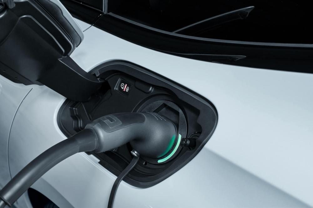 medium resolution of plug in hybrid technology