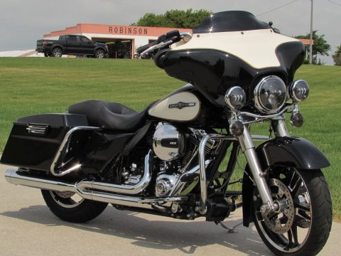 2011 Harley-Davidson Electra Glide Police FLHTP   - $6,500 in Customizing -103 Motor - Mini Apes and More!