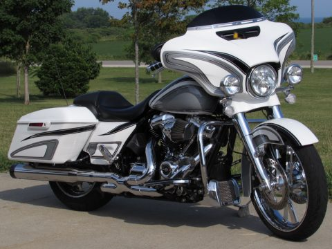 2017 Harley-Davidson Street Glide Special FLHXS   114 Screamin Eagle M8 - $20,000 in Customizing and Options - $73 Weekly* - 3 Year Warranty