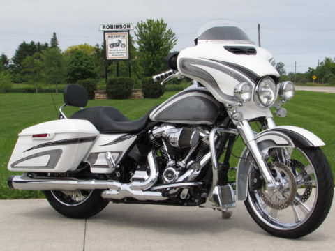 2017 Harley-Davidson Street Glide Special FLHXS   114 Screamin Eagle M8 - IT'S LIKE GETTIING $20,000 in FREE Customizing - New Price $65 Weekly - MUST BE SEEN