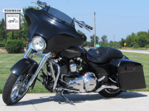2013 Harley-Davidson Street Glide FLHX   A real SLEEPER - Better, Stronger, Faster than a CVO - $48 Week