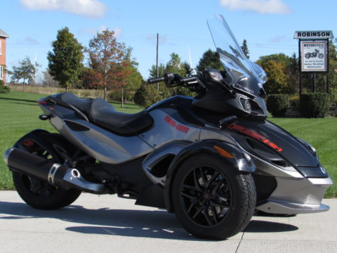 2012 BRP Can-Am Spyder RS-S SM5  Automatic - $38 week Smooth and Sporty - Mint