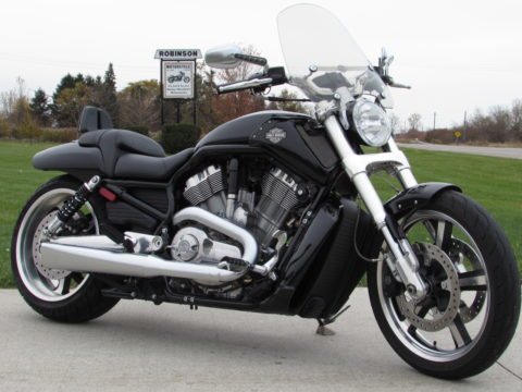 2009 Harley-Davidson  V-Rod Muscle VRSCF  - Low 8,400 miles - $30 Week - Vance and Hines Exhaust