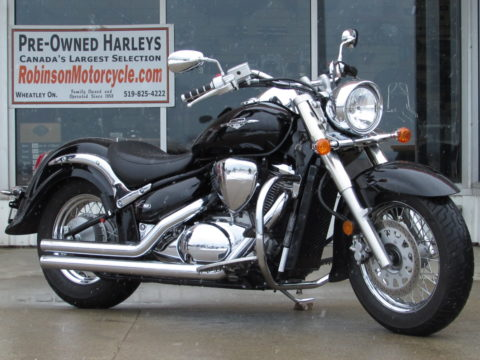 2015 Suzuki Boulevard C50  - Low Seat - Only 1 Owner - Vance and Hines Exhaust - Low 28,700 KM