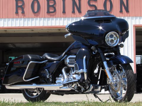 2016 Harley-Davidson CVO Street Glide FLHXSE   SAVE $20,000 - Local Immaculate - $66 Week - Options