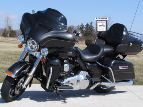 2016 Harley-Davidson FLHTK Ultra LIMITED  - Full Stage 1 Vance and Hines - $4,000 in Customizing