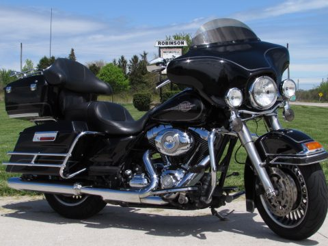 2011 Harley-Davidson Electra Glide Classic FLHTC  - Great Value $35 Week - Street Glide Looks!