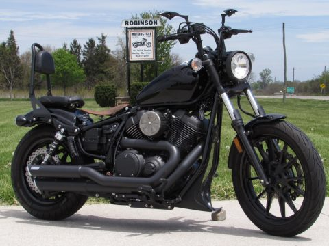 2014 Yamaha Bolt 950  - ONLY 15,700 KM - Custom Bars, Exhaust and Seat - $24 Week
