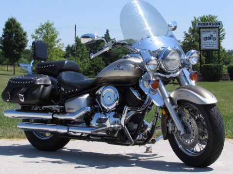 2002 Yamaha V-Star 1100 Classic  - Local KM - Silverado touring set up! - $22 Week