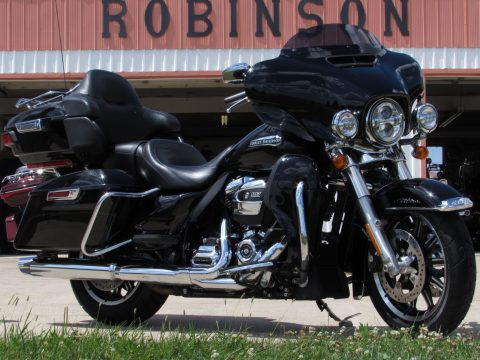 2019 Harley-Davidson ULTRA Classic FLHTCU  - 107 Milwaukee Eight - $50 week - ABS, Navigation and More!