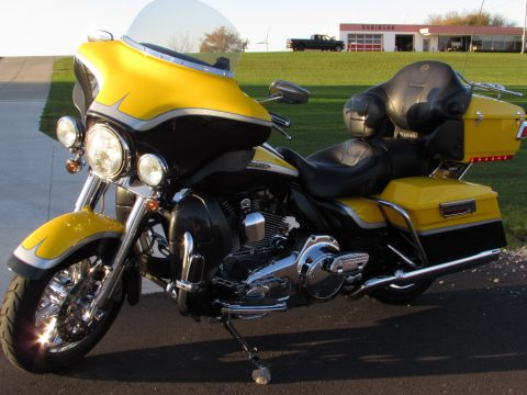2012 Harley-Davidson CVO ULTRA FLHTCUSE   2 Year 100% Warranty - 110 Screamin Eagle - $39 Week