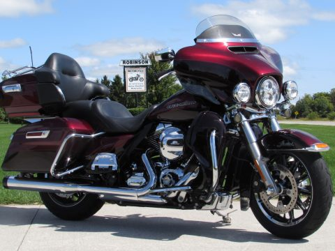 2015 Harley-Davidson Ultra Limited FLHTK   - ONLY 4,600 Miles - $3,500 in Options - Quick Detach Tour-pack