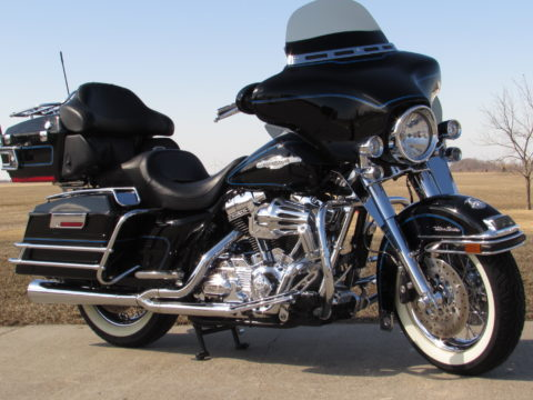2008 Harley-Davidson ULTRA Classic FLHTCU  - $15,000 in Awesome Options