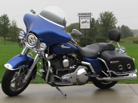 2002 Harley-Davidson Road King Classic FLHRCi  - New Price $32 Week - $11,000 in Options - 20,000 miles