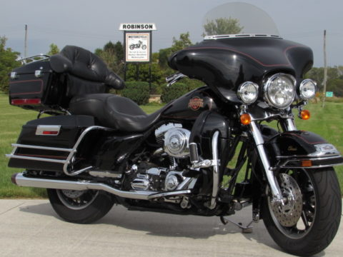 2001 Harley-Davidson Electra Glide Classic FLHTC  - $5,000 in Options - New Price $32 Week