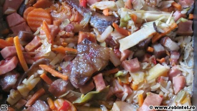 Tocăniță de legume înăbușite la cuptor cu afumătură - după înăbușire la cuptor
