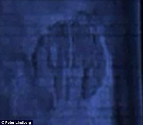 Anomalie pe fundul mării - imaginea originală