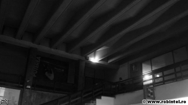 Gara din Deva cufundată în întunericul rece