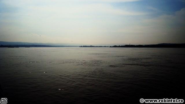 Dunărea între România și Serbia - fluviul este cel mai dulce pat, legănându-te ușor