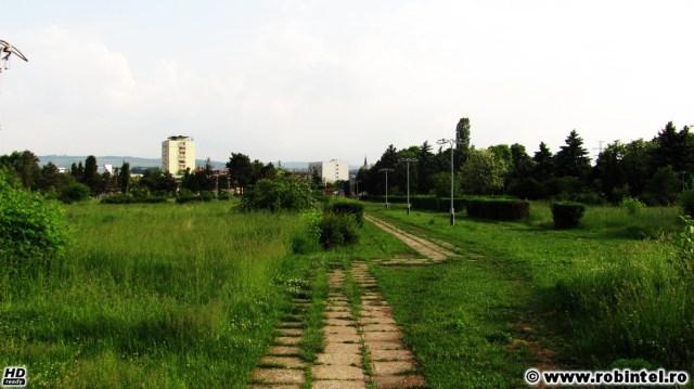 Parcul feroviarilor din Cluj, vedere spre intrarea în parc