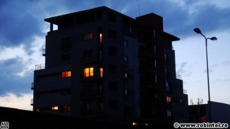 07. Un bloc modern ascuns intre blocuri-mamut - arhitectura Cluj