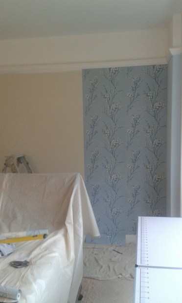 Endcliffe Wallpaper Hanging 1