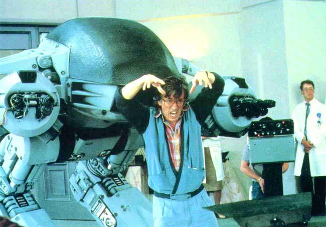 in questa foto lED 209 mentre si avvicina silenziosamente alle spalle di un master delle ruolimpiadi durante Lucca Games 1987