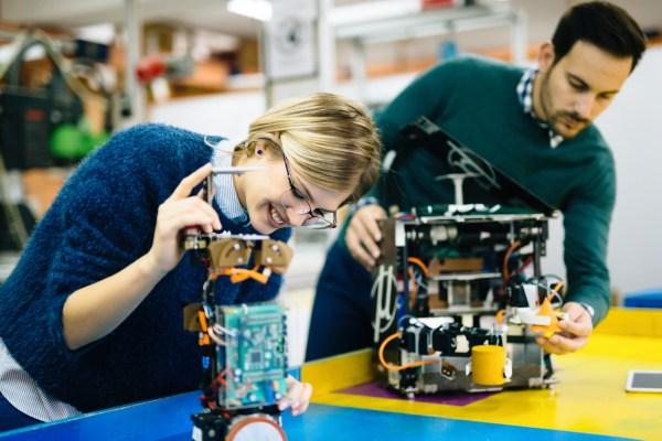 Arm Institute Aims Improve Education & Create Jobs