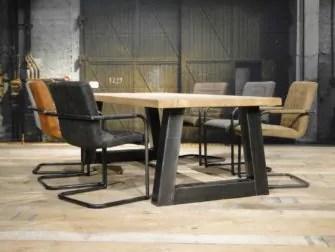 Balken tafel Carpentras rustiek eiken  robuustetafelsnl