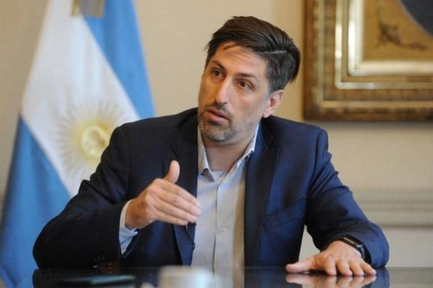 El ministro de Educación de Nación Trotta está en el Deliberante con María Emilia Soria