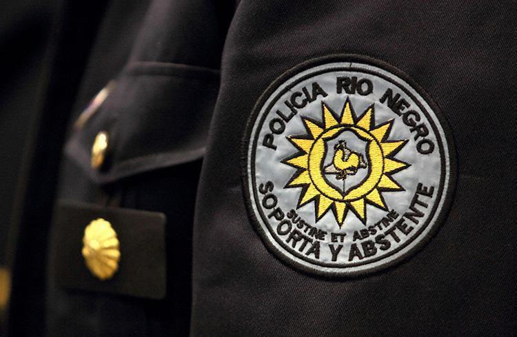 """""""Falso policía"""" quedó con preventiva por 4 meses: Iba armado y llevaba ropa policial"""