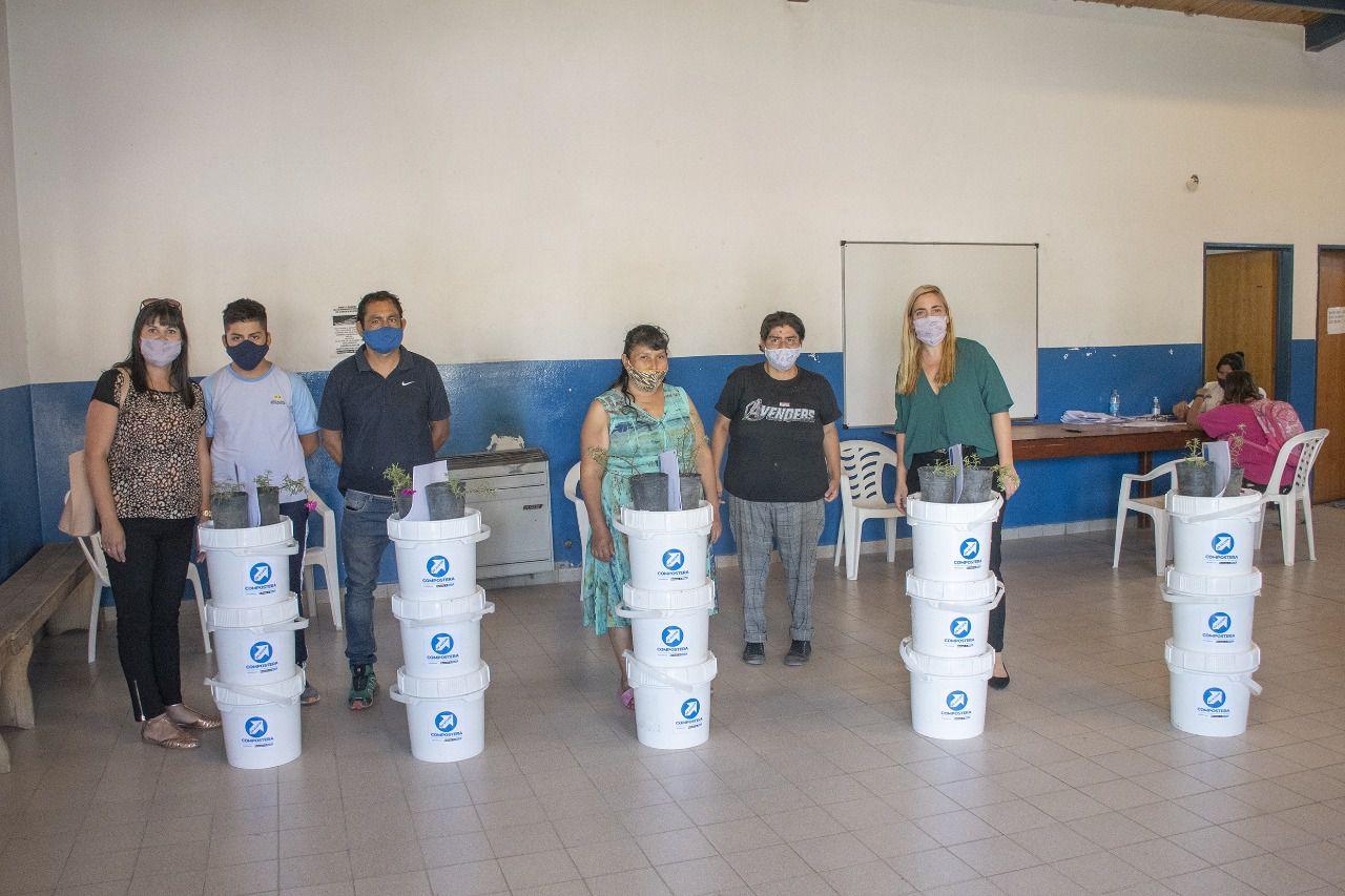 Roca Recicla entregó kits sustentables en dos barrios