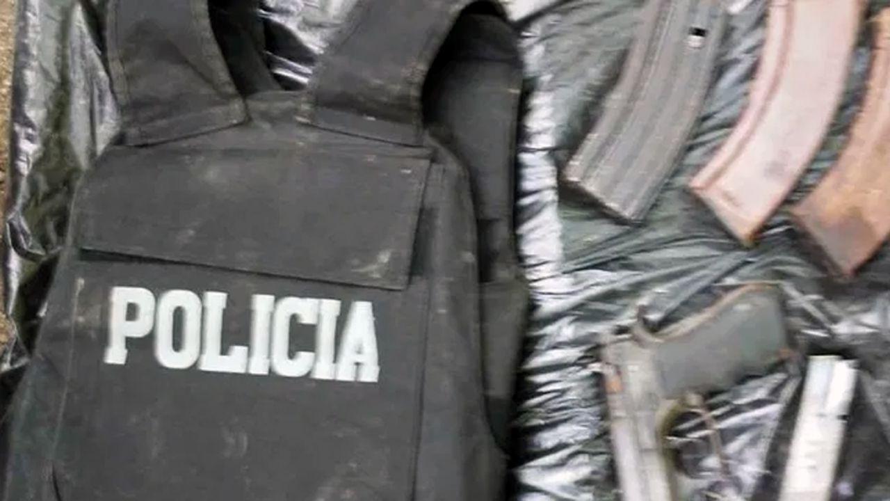 Llevaban un TV robado y un bolso con ropa de policial