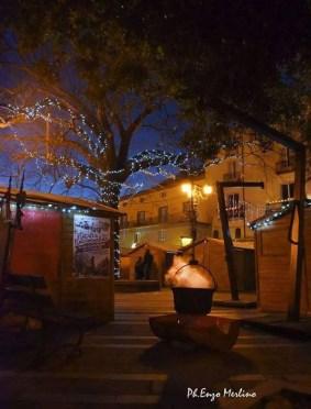 scorcio di Piazza Nicola Amore durante i precedenti mercatini di Natale a Roccamonfina