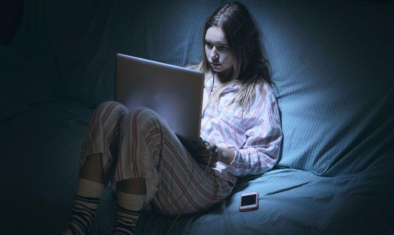 comunicazioni, adescamento, adolescenti, clash-royale, cyber-bullismo, scuola, stalking, vamping, insonnia digitale, social network,