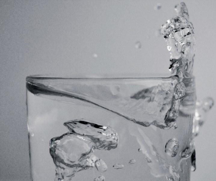 Dos informes interesantes sobre alimentación de adultos. Uno de ellos relacionados con el agua