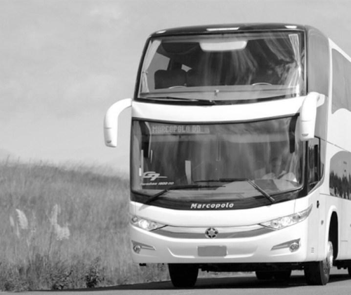 Nuevo accidente de bus de dos pisos en carretera con muerte y heridos graves