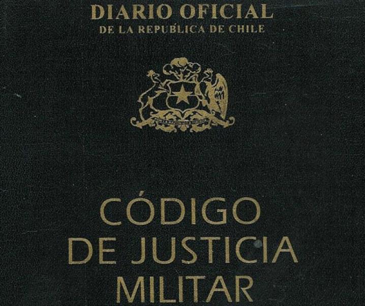 Oscar Fenner Marín: El Código de la Justicia Militar y su crítica al cambio de la disposición original que establecía que sus jueces fuesen miembros retirados de sus carreras en las Fuerzas Armadas