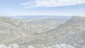 Photos prises dasn les hauteurs de la métropole de Nice ou l'ont y voit la mer et la montagne