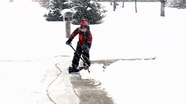 Hoverboard snow shoveling_1485396561371-159532.jpg92134998