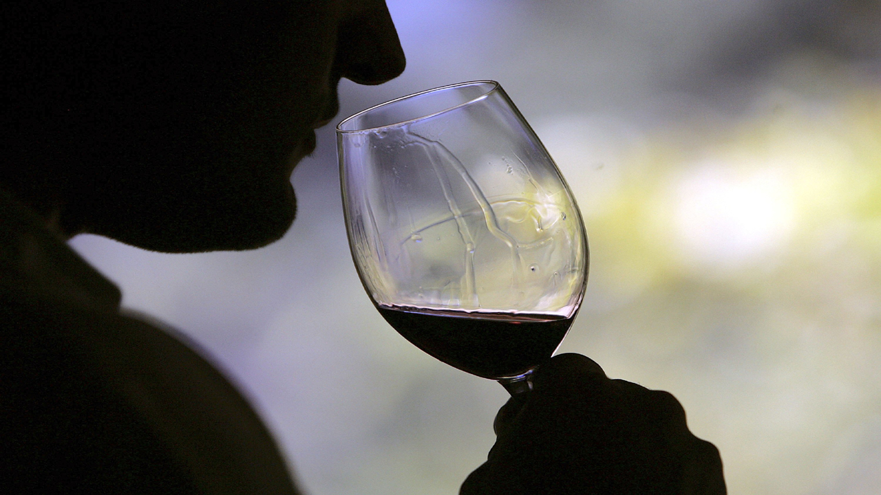 wine drinker64183657-159532