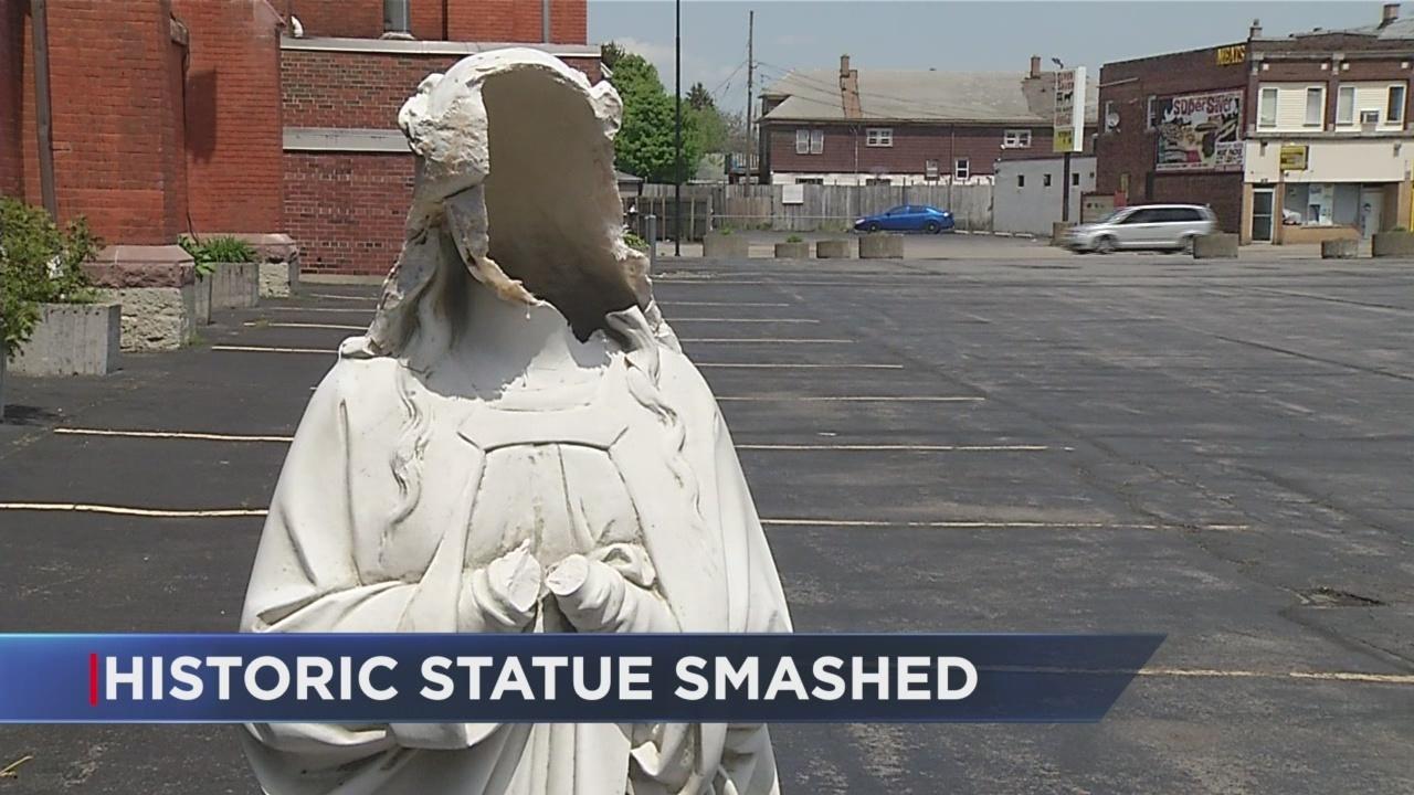 Statue_smashed_0_42798602_ver1.0_1280_720_1526581394608.jpg